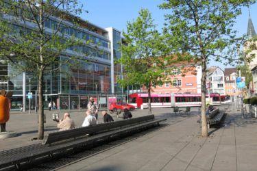 Erfurt DE ulice s nástupem na tramvaje